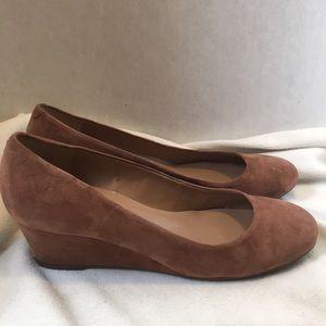 Talbots wedge tan suede 8 1/2 edge heel